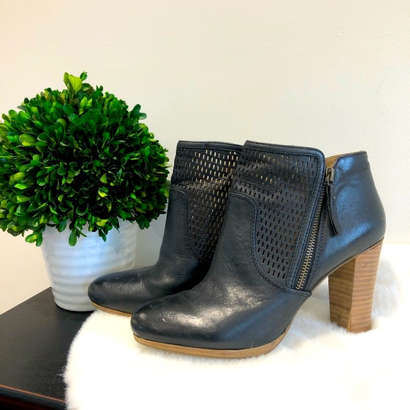 GEOX leather heeled bootie